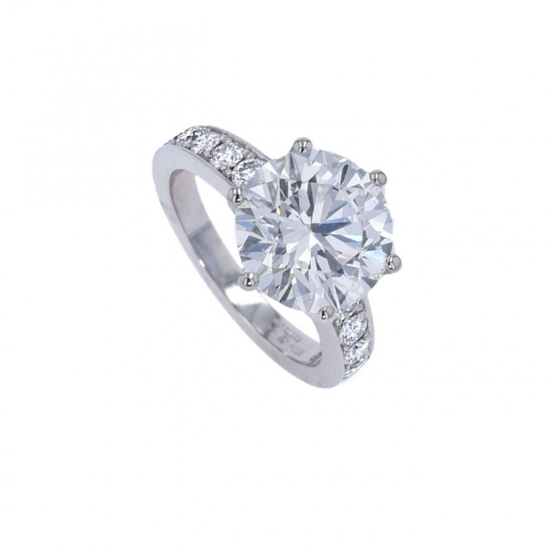 FoFo, die Juwelenbörse -  Solitärring   950 Platin   Brillant 5.50 ct.  Brillanten 0.73 ct.   GIA Expertise