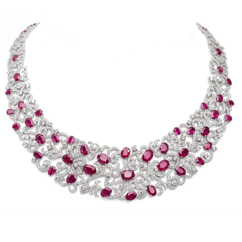 FoFo, die Juwelenbörse -  Collier in Weißgold, Burma Rubine ca. 35,66 ct. Expertise DSEF, Brillanten ca. 20,19 ct.