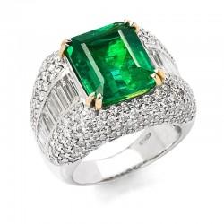 Smaragd im Emarald Cut 6,62...